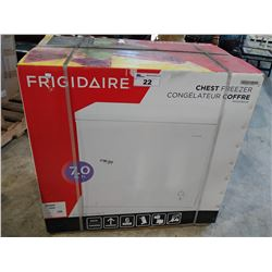 FRIGIDAIRE CHEST FREEZER (MODEL FFFC07M2UW) *MINOR DAMAGE*