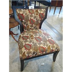 PATTERNED ACCENT CHAIR