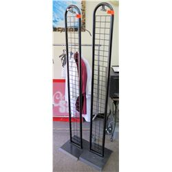 Qty 2 Tall Oval Metal Wire Freestanding Clothing Display (fixture only)