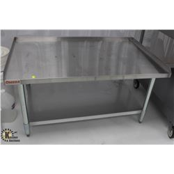 OMEGA STAINLESS STEEL EQUIPMENT STAND W/