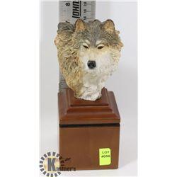 NEW WOLF HEAD BUST
