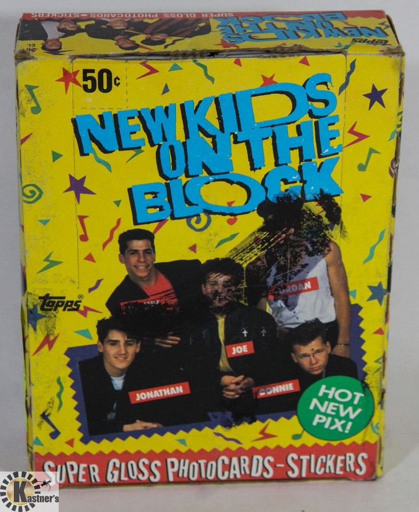 8 Super Gloss Photo Cards per pack Topps New Kids On The Block Card Pack