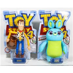 TOY STORY 4 COLLECTIBLE FIGURES: WOODY AND BUNNY