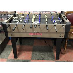 CHILDREN'S FOOSBALL TABLE AND ACCESSORIES.
