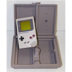 ORIGINAL NINTENDO GAMEBOY IN A CASE, GAME, WORKS