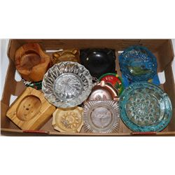 LOT OF COLLECTIBLE ASHTRAYS - COLLECTIBLE