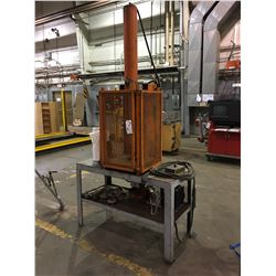 ELECTRIC HYDRAULIC PRESS WITH BENCH AND TOOLS