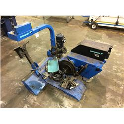 HOFMANN MONTY 3650 TIRE CHANGE MACHINE