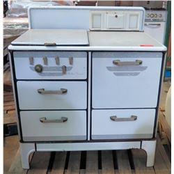Marlboro Universal Vintage Covered 4-Burner Natural Gas Stove & Oven