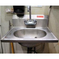 "Freestanding Stainless Steel Single Sink w/ Faucet 19"" x 14.5"""