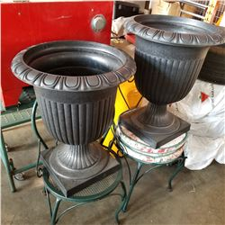 2 GREEN PATIO CHAIRS AND BLACK PLANTER