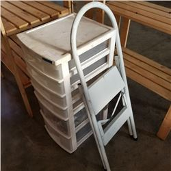 2 STEP LADDER AND ORGANIZER