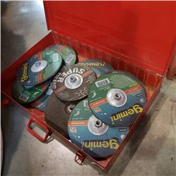 LARGE RED CASE OF GRINDING DISCS