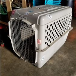 LARGE PET KENNEL