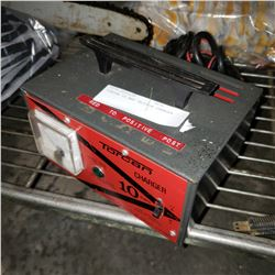 TORCAN 10 AMP TRICKLE CHARGER
