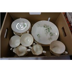 SPRING BLOSSOM GEORGIAN CHINA USA 22KT GOLD CHINA DISHES