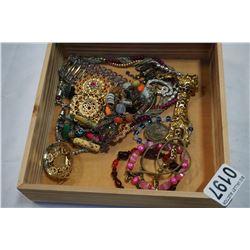 BOX OF ESTATE JEWELLERY