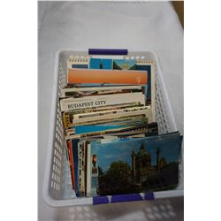 TRAY OF OVER 100 POST CARDS AND TRAVELLING BOOKS