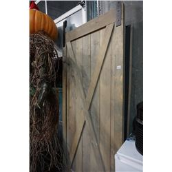 36 INCH BARN DOOR WITH TOP RAIL AND HARDWARE