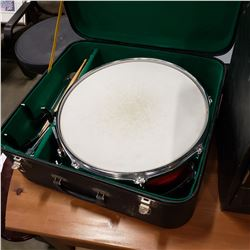 SNARE DRUM IN CASE, WITH ACCESSORIES, STAND, STICKS