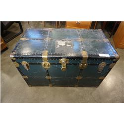 EXCELSIOR GREEN AND BLACK METAL TRUNK