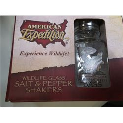 American Expedition New Bass salt and Pepper shaker