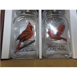 American Expedition New Cardinal salt and Pepper shaker