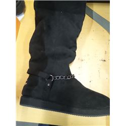 New Women's boots black 7.5m