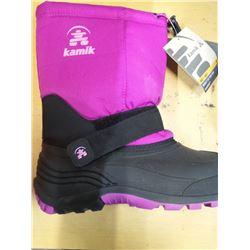 New Kamik snow boots kids size 5
