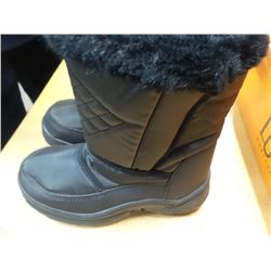 New snow boots childrens size 2