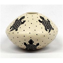 Mata Ortiz Carved Pottery Jar by Avelina Corona
