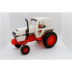 Case 2390 tractor    1/16