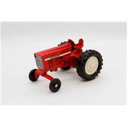 IH 700 series tractor