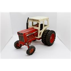 IH 966 turbo tractor VERY USED   1/16