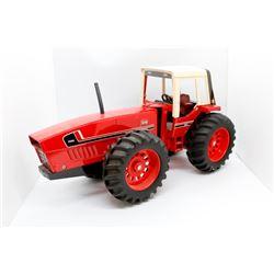 IH 3588 tractor