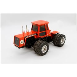 Allis Chalmers 4W-305 tractor   8 in,