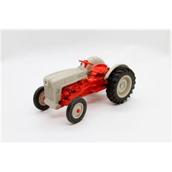 Ford Jubilee tractor  1/16