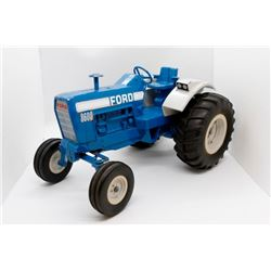Ford 8600 tractor    1/16