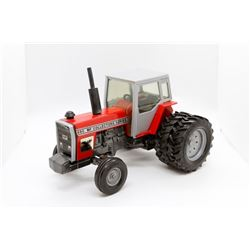 Massey Ferguson 690 tractor      9.in