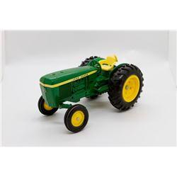 John Deere tractor     1/16
