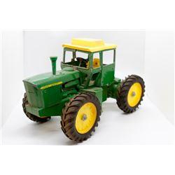 John Deere 7020 tractor USED    1/16
