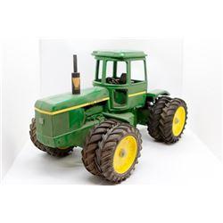 John Deere 8430 4WD tractor  1/16