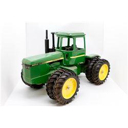 John Deere 8650 4WD tractor   1/16