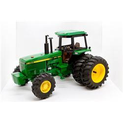 John Deere 4955 tractor               1/16