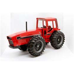 IH 6388 tractor               1/16
