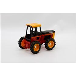 Versatile 256 tractor 1:32 HAS BOX