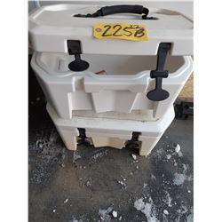 2 LinQ Coolers