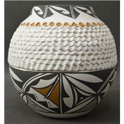ACOMA INDIAN POTTERY VASE (NORMA JEAN)