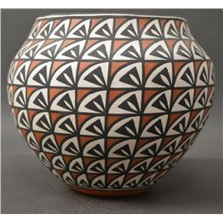 ACOMA INDIAN POTTERY JAR