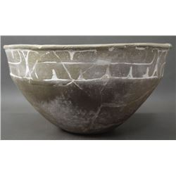 PREHISTORIC CADDO INDIAN POTTERY BOWL
